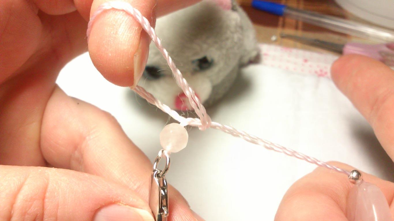Как собрать бусы из жемчуга своими руками через узелок 12