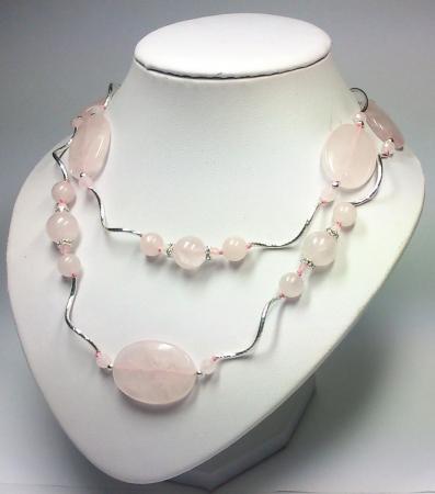 Бусы из розового кварца арт.213